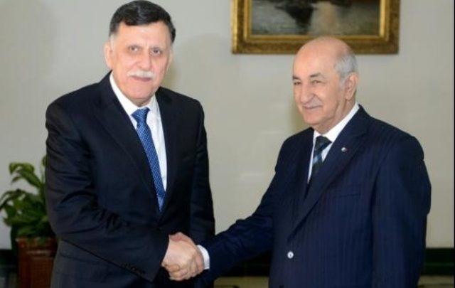 رئيس حكومة الوفاق الليبية مع الرئيس الجزائري (المصدر: انترنت)