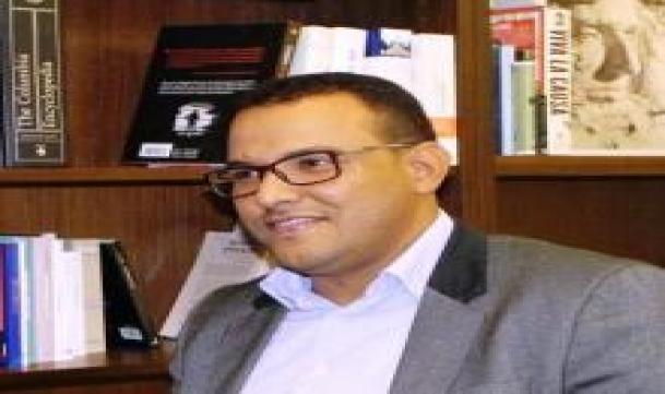 د. محمد يحي احمدناه رئيس قسم الدراسات في مركز الصحراء (ارشيف الصحراء)