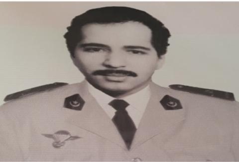قائد الجيش الأسبق امبارك مختار بونه-(المصدر: الانترنت)