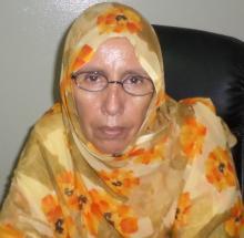 الناشطة الحقوقية آمنة بنت المختار