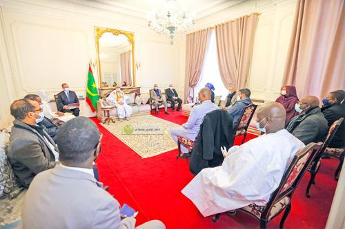 Le Président reçoit les représentants de la colonie mauritanienne en France