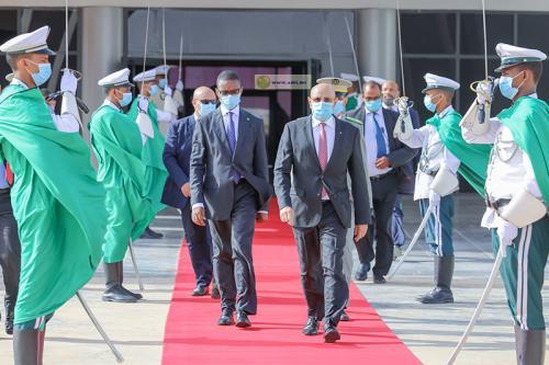 Le Président Ghazouani a quitté Nouakchott en direction de Bissau