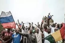 Mali : une nouvelle guerre d'influence entre la France et la Russie