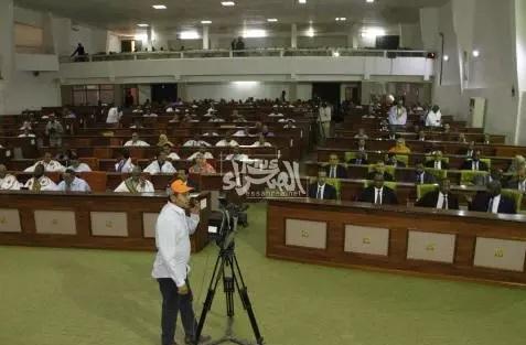 Activisme parlementaire en vue du dépôt d'une plainte contre O. Abdel Aziz
