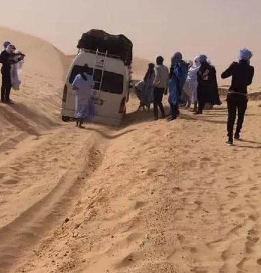La route Moudjéria - Letfetar ensevelie par les dunes mobiles (photos)