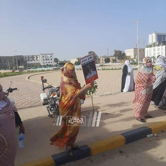 Manif devant le palais demandant la libération d'un détenu (Photos)