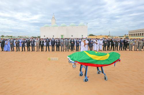 Le président présent à la prière mortuaire sur feu  O Cheikh Abdallahi