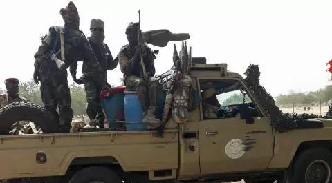 Arrivée d'une mission de l'Union africaine au Tchad où la guerre fait rage