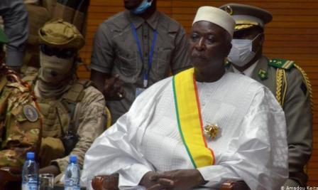 Mise aux arrêts du Président et du Premier ministres maliens