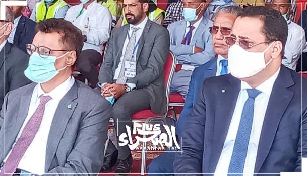 وزير المعادن عبد السلام ولد محمد صالح (يسار) والإداري المدير للشركة المختار ولد اجاي - (المصدر: الصحراء)