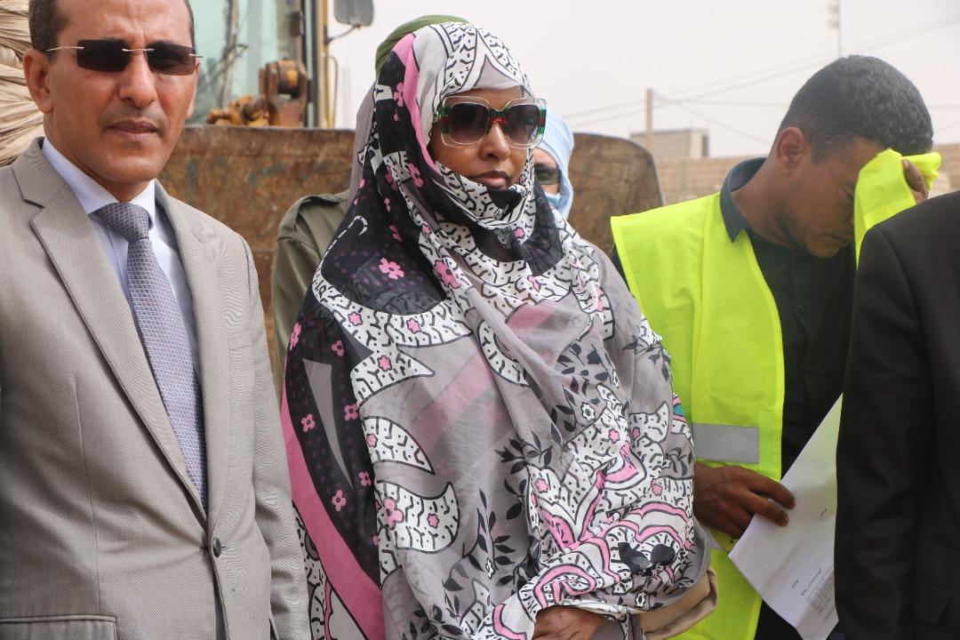 طاقم الوكالة خلال بدء عملية التنفيذ من عرفات