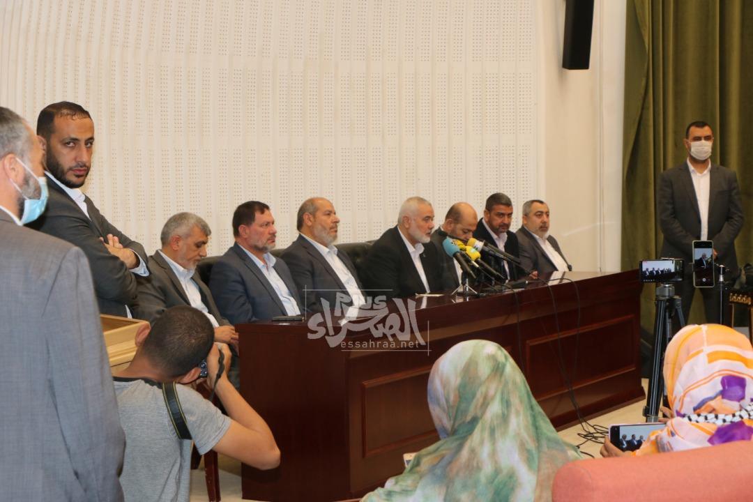 وفد من حركة حماس في لقاء مع الصحافة الوطنية ـ (المصدر: الصحراء)