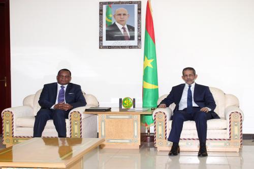 المبعوث الكونغولي رفقة الوزير الأول  (المصدر: وما)