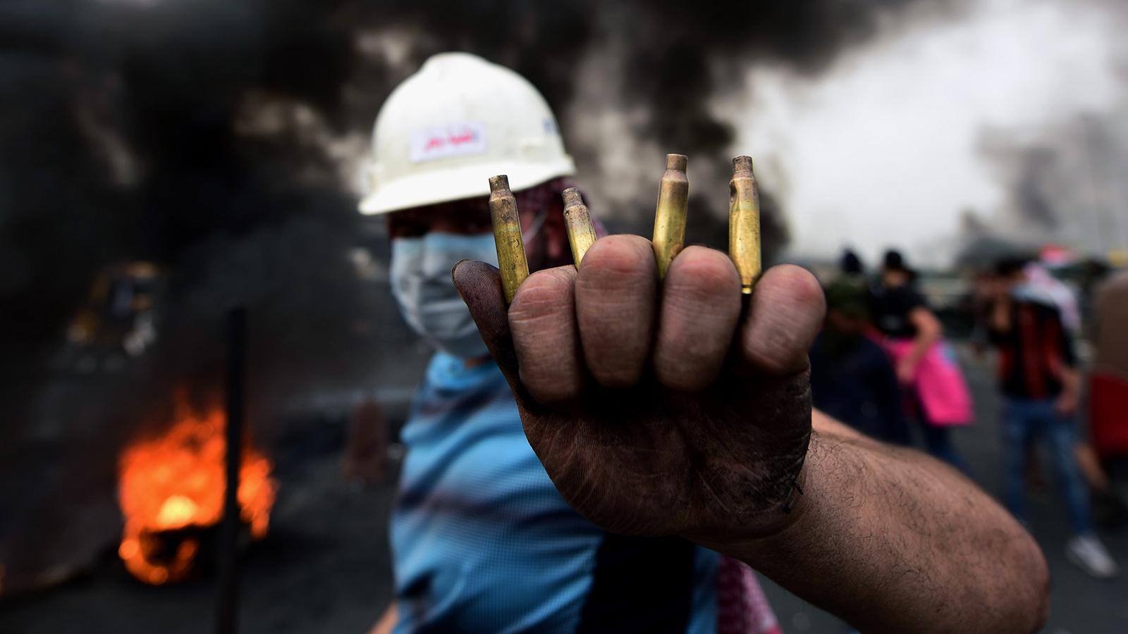 المحتجون يصعّدون بعد انتهاء مهلتهم