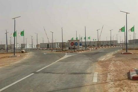 المعبر الحدودي بين موريتانيا والجزائر - المصدر (الانترنت)
