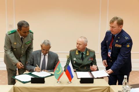 توقيع الاتفاقية بين موريتانيا وروسيا- المصدر (وزارة الدفاع الروسية)
