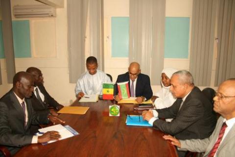 لقاء وزير الصيد الموريتاني بنظيره السنغالي (المصدر: وما)