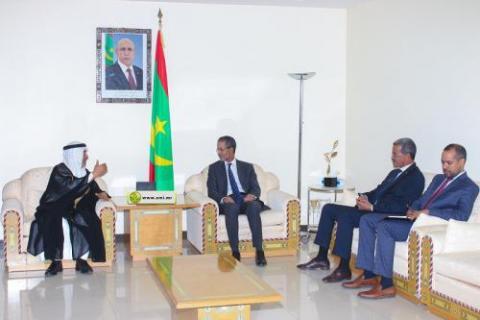 لقاء بين الوزير الأول ووفد من الهيئة العربية للاستثمار (المصدر: وما)