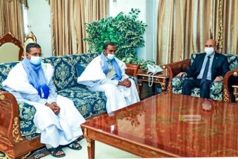 مقابلة الرئيس مع المختطفين سابقا بمالي