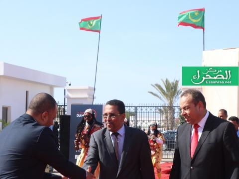 الوزير المكلف بالاستثمار احبيب ولد حام في طريقه للأسبوع المغربي- (المصدر: الصحراء)