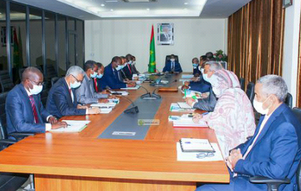 جانب من اجتماع اللجنة (و م أ)