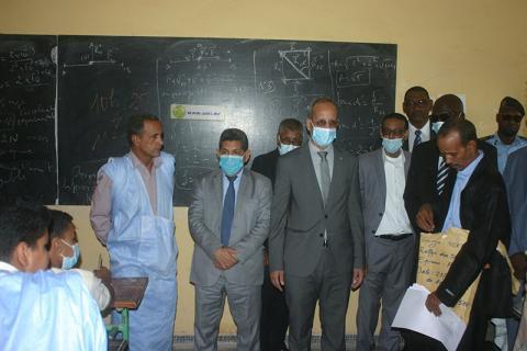 وزير التهذيب في أحد مراكو المسابقة - المصدر (الوكالة الموريتانية للأنباء)