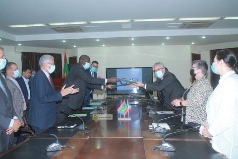 توقيع الاتفاقية - المصدر (الوكالة الموريتانية للأنباء)