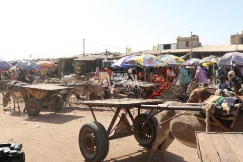 حركة شبه مشلولة في سوق مسجد المغرب ـ (المصدر: الصحراء)