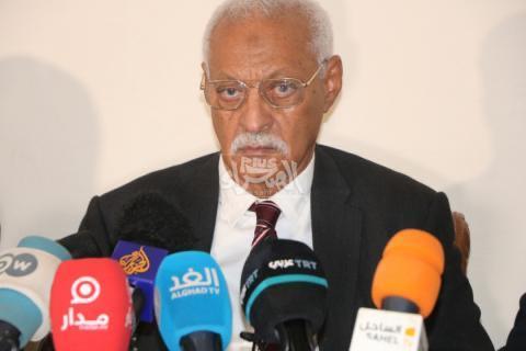 رئيس فريق دفاع الرئيس السابق محمدن ولد الشدو _ (أرشيف الصحراء)
