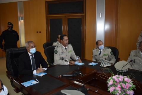 وزير الدفاع خلال زيارته لمقر قيادة الدرك ـ (المصدر: موقع الجيش)