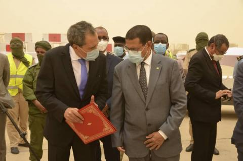 وزير الصحة يتسلم من سفير المغرب بنواكشوط المعدات الطبية