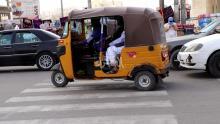 عربة توكتوك في أحد شوارع نواكشوط _ (الصحراء)