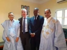 والي آدرار ورئيس المجلس الجهوي في استقبال السفير الفرنسي (المصدر: صفحة السفارة على الفيسبوك)