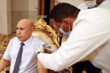 الرئيس غزواني يأخذ الجرعة الأولى من لقاح كورونا ـ (المصدر: وما)