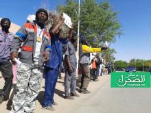 وقفة احتجاجية للحمالة أمام القصر الرئاسي-(المصدر: الصحراء)