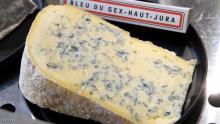 الجبن الأزرق يأخذ لونه طعمه ورائحته من البنسليوم.