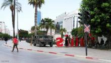 قوات تونسية في شارع لحبيب بورقيبة
