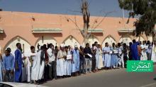 جانب من وقفة الطلاب أمام الرئاسة (الصحراء)