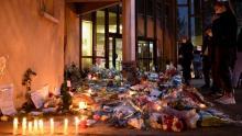 من أمام المدرسة التي وقعت الجريمة بجوارها (فرانس برس)
