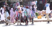 باعة ممتجولون بالسوق المركزي في نواكشوط ـ (المصدر: الصحراء)