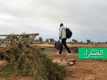 أحد المسافرين عند مدخل مدينة سيلبابي - ارشيف الصحراء