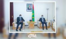 الوزير الأول اسماعيل بده الشيخ سيديا و زعيم المعارضة ابراهيم ولد البكاي-(المصدر: الصحراء)