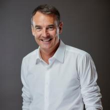 المدير الجديد للشركة الإيرلندي بيرنارد لوني