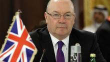 آلستير بيرت وزير منتدب للخارجية