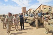 وزير الدفاع يتفقد كتيبة الصاعقة بأطار (المصدر: موقع الجيش)