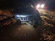 السيارة التي كانت تحمل الضحايا بعد تعرضها لحادث السير
