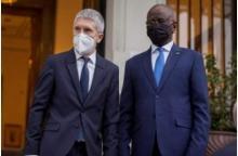 وزير الداخلية مع نظيره الإسباني صباح اليوم ـ (المصدر: صفحة الوزارة)
