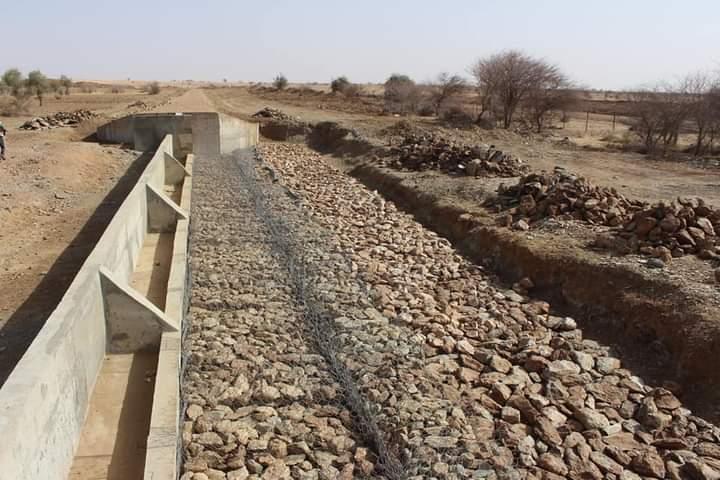 وزير المياه يتفقد أشغال بناء سدود مائية في كوركل وغيدي ماغا ـ (المصدر: صفحة الوزارة)