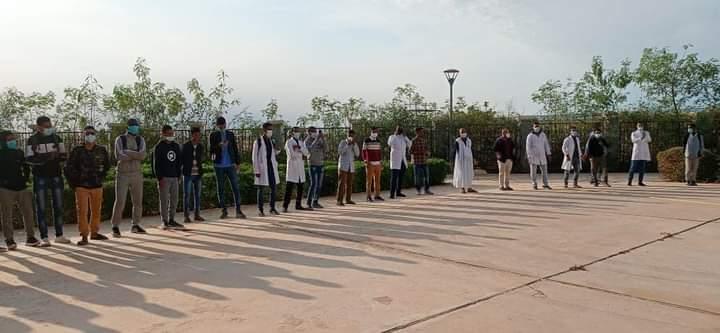 وقفة احتجاجية لطلاب كلية الطب ـ (المصدر: الإنترنت)