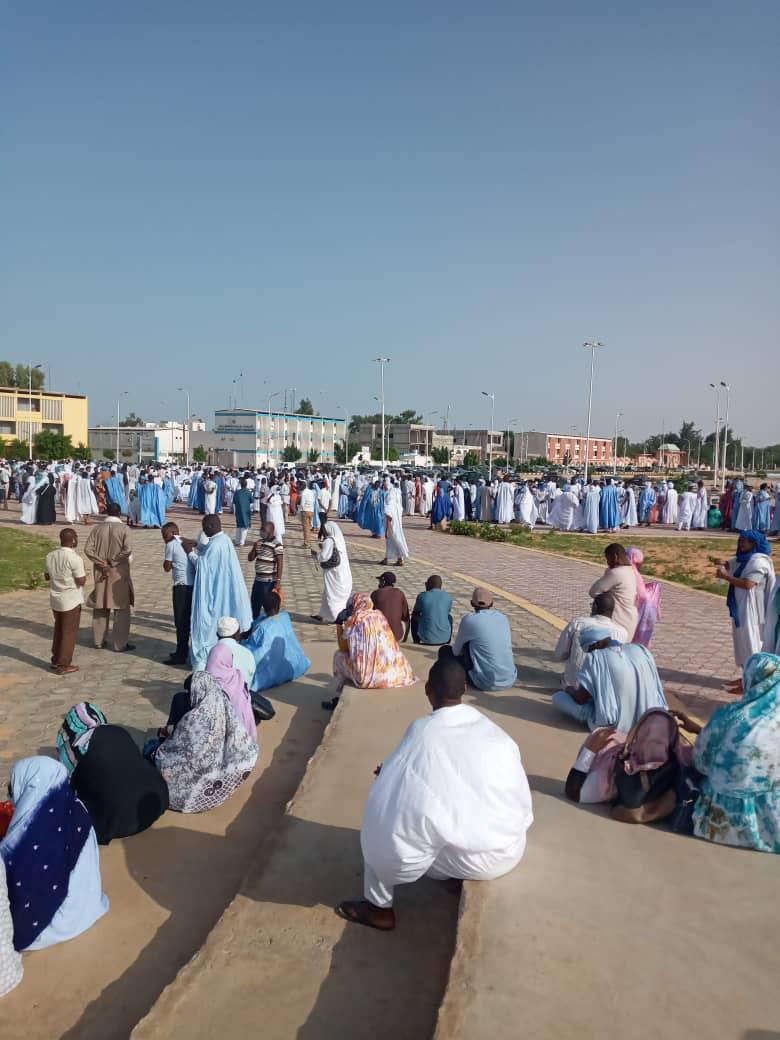 الفاعلون في التعليم الخاص يحتجون أمام الرئاسة ـ (المصدر: الإنترنت)